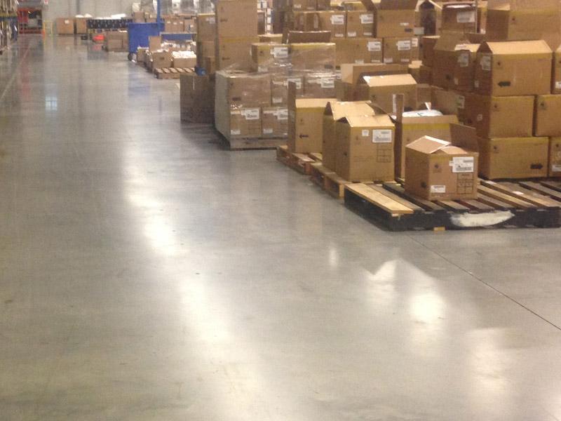 Warehouse-Sweeping-Scrubbing